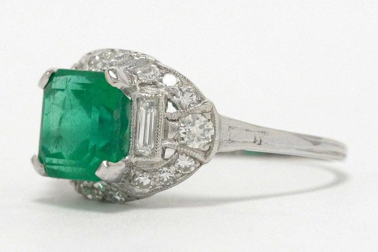 Colombian Step Cut Emerald Baguette Diamonds Platinum Art Deco Engagement Ring In Good Condition In Santa Barbara, CA