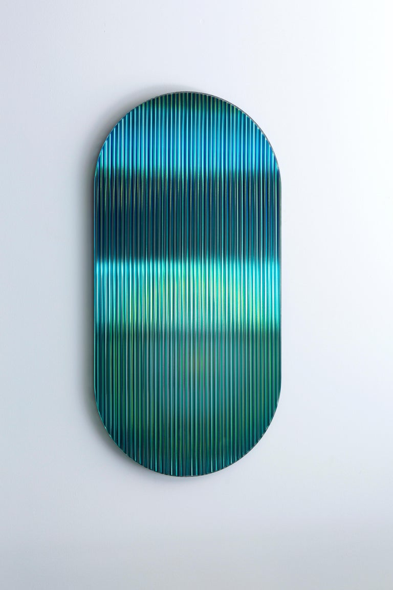 Color Shift Panel Trichroic Green with Glass and Color Sublimated Mirror In New Condition For Sale In Firenze, IT