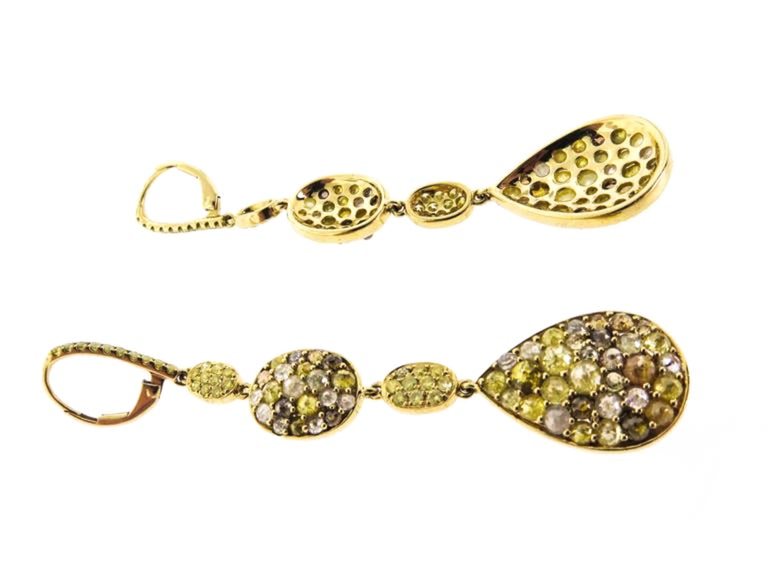 Colored Diamonds Gold Drop Earrings In New Condition For Sale In Greenwich, CT