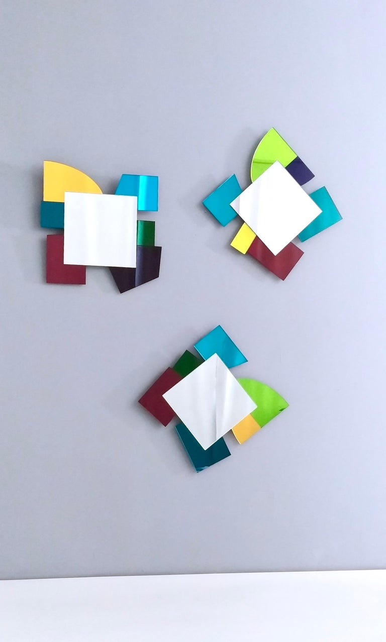 Colored Wall Mirror in the Style of Ettore Sottsass, Italy, 2010s In Excellent Condition For Sale In Bresso, Lombardy