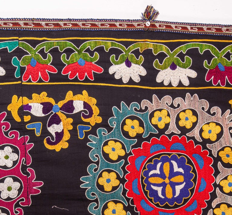 Colorful 1970s Suzani from Uzbekistan, Central Asia For Sale 1