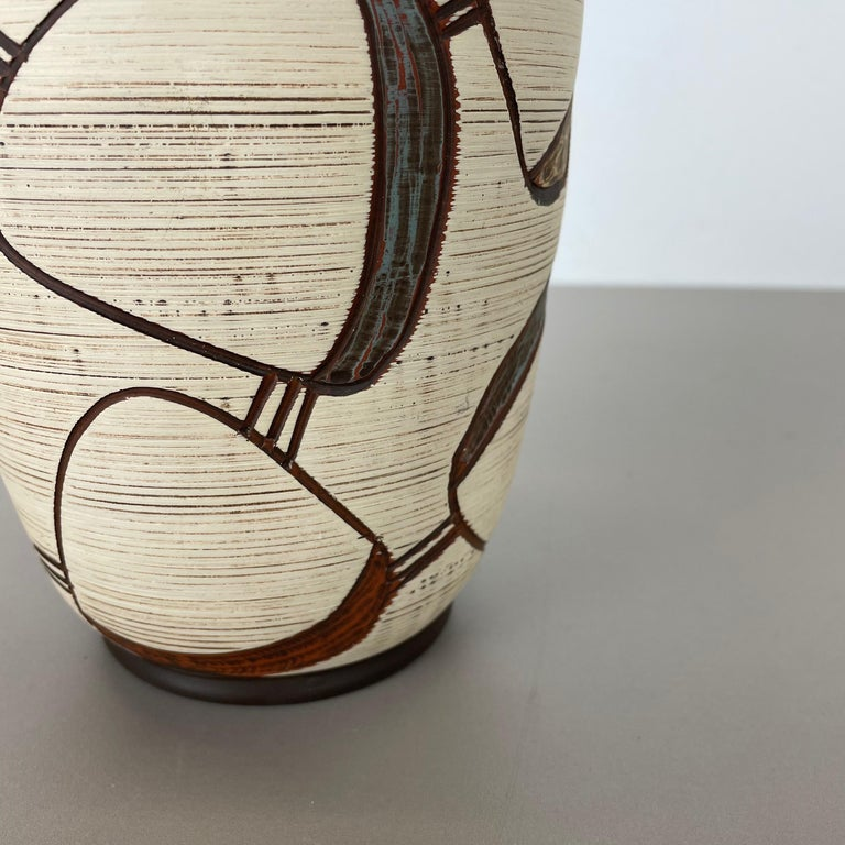 Colorful Abstract Ceramic Pottery Vase by Sawa Franz Schwaderlapp, Germany 1950s In Good Condition For Sale In Kirchlengern, DE