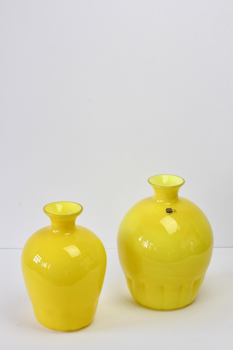 Mid-Century Modern Colorful Cenedese Pair of Yellow Vintage Italian Murano Glass Vases, circa 1990s For Sale