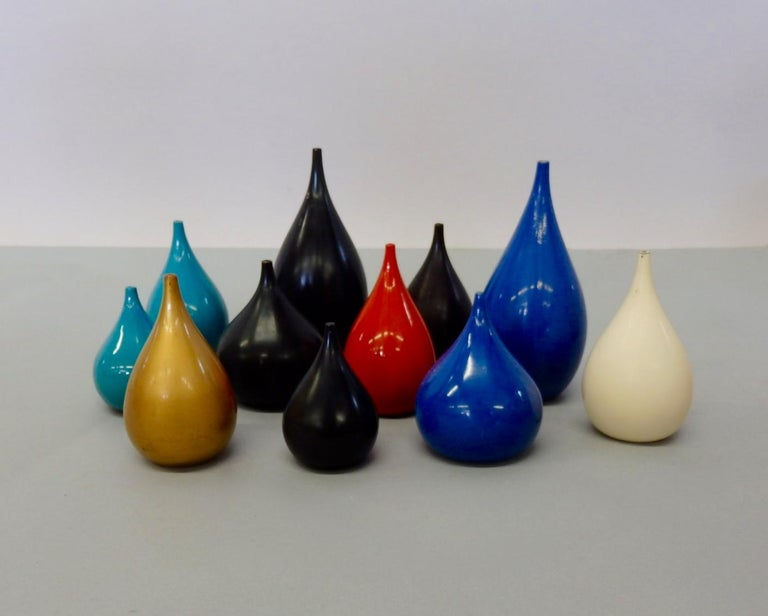 Mid-Century Modern Colorful Collection of Japanese Lacquered Salt and Pepper Shakers For Sale