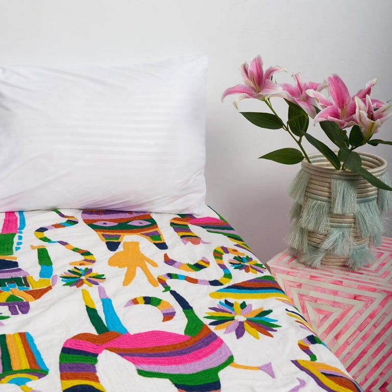 100% cotton. Medium weight. 300 thread count.