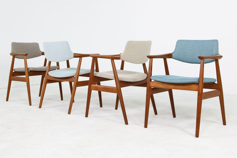 Colorful Set of Four 1960s Rare Svend Aage Eriksen Teak Armchairs, Danish Modern In Excellent Condition For Sale In Hamminkeln, DE
