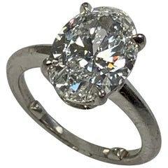 Colorless Oval Diamond Solitaire 3.18 Carat
