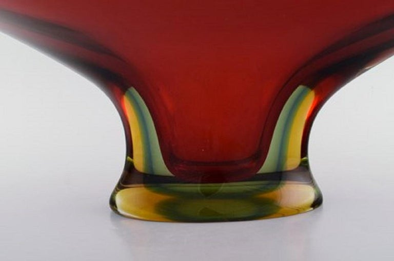 Colossal Murano Vase in Mouth Blown Art Glass, 1960s-1970s In Good Condition For Sale In Copenhagen, Denmark