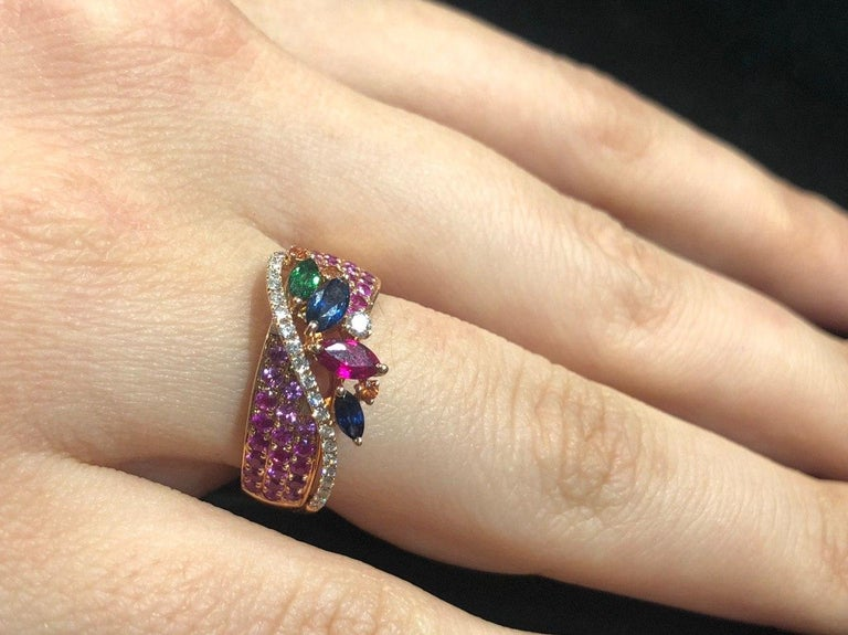 Colorful Pink Sapphire Emerald Ruby Tsavorite Diamond Cocktail Rose Gold Ring In New Condition For Sale In Montreux, CH