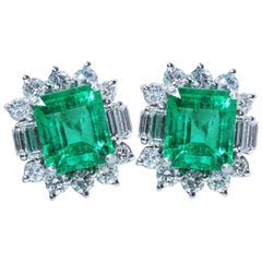 Columbia Emerald White Gold Diamond Earrings, Insignificant Oil