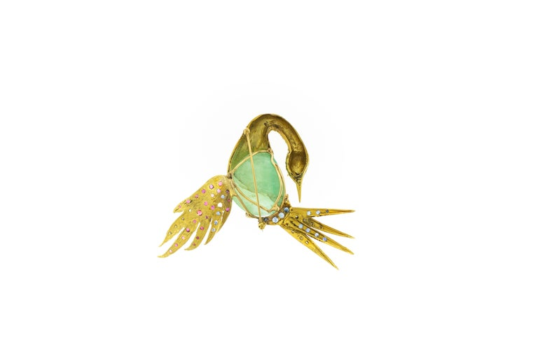 Columbian Emerald Sapphire Diamond 18k Gold Heron Brooch. Large middle uncut emerald approximately 24 carats. Total weight 48.38 Grams. Hight 3 inches, Length 3.5 inches