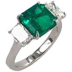 Colombian Natural Emerald Diamond Platinum Three-Stone Ring GIA Certified