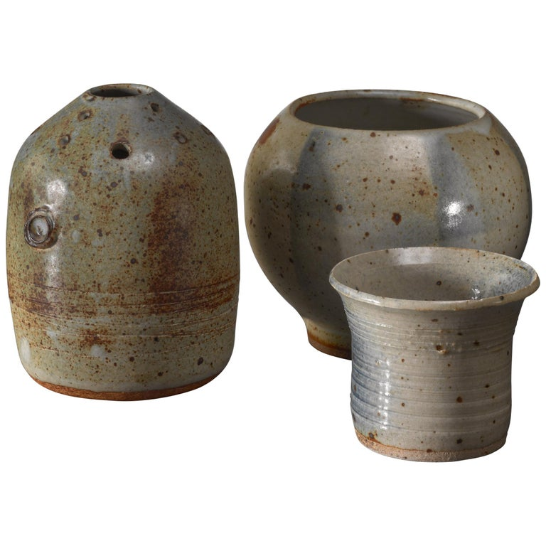 Combination of Franco Agnese Ceramic Pieces with Ikebana Vase For Sale