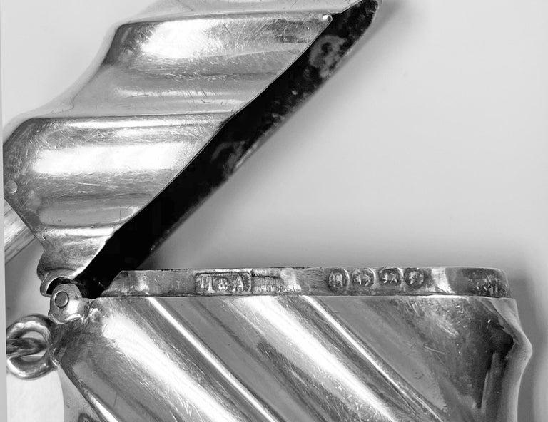 Combination Silver Vesta Case and Cigar Cutter, Birmingham 1888 Horton & Allday In Good Condition For Sale In Toronto, Ontario