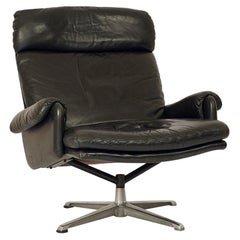 Comfortable and Elegant 1970s Black Leather Lounge Chair, Switzerland