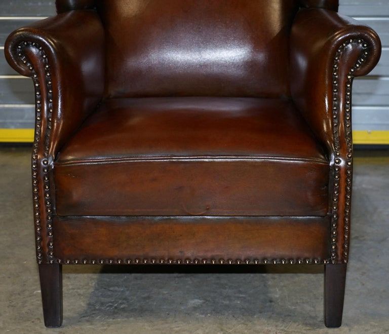 Comfortable Pair of Nice Vintage Restored Wingback Armchairs Cigar Brown Leather For Sale 11