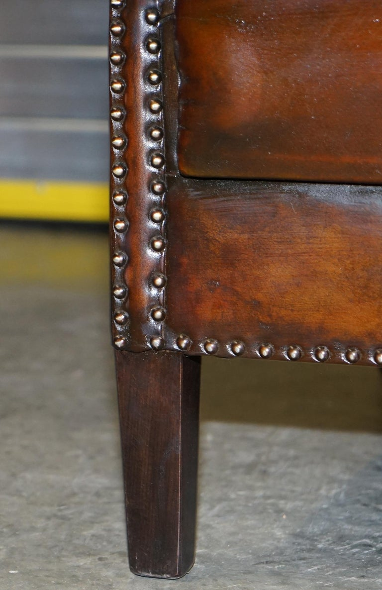 Comfortable Pair of Nice Vintage Restored Wingback Armchairs Cigar Brown Leather For Sale 12