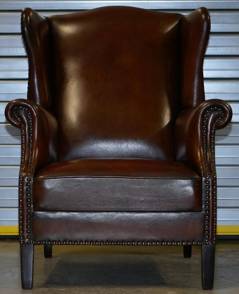 Victorian Comfortable Pair of Nice Vintage Restored Wingback Armchairs Cigar Brown Leather For Sale