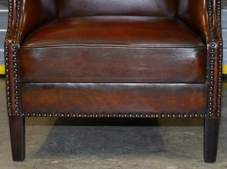 Comfortable Pair of Nice Vintage Restored Wingback Armchairs Cigar Brown Leather For Sale 2