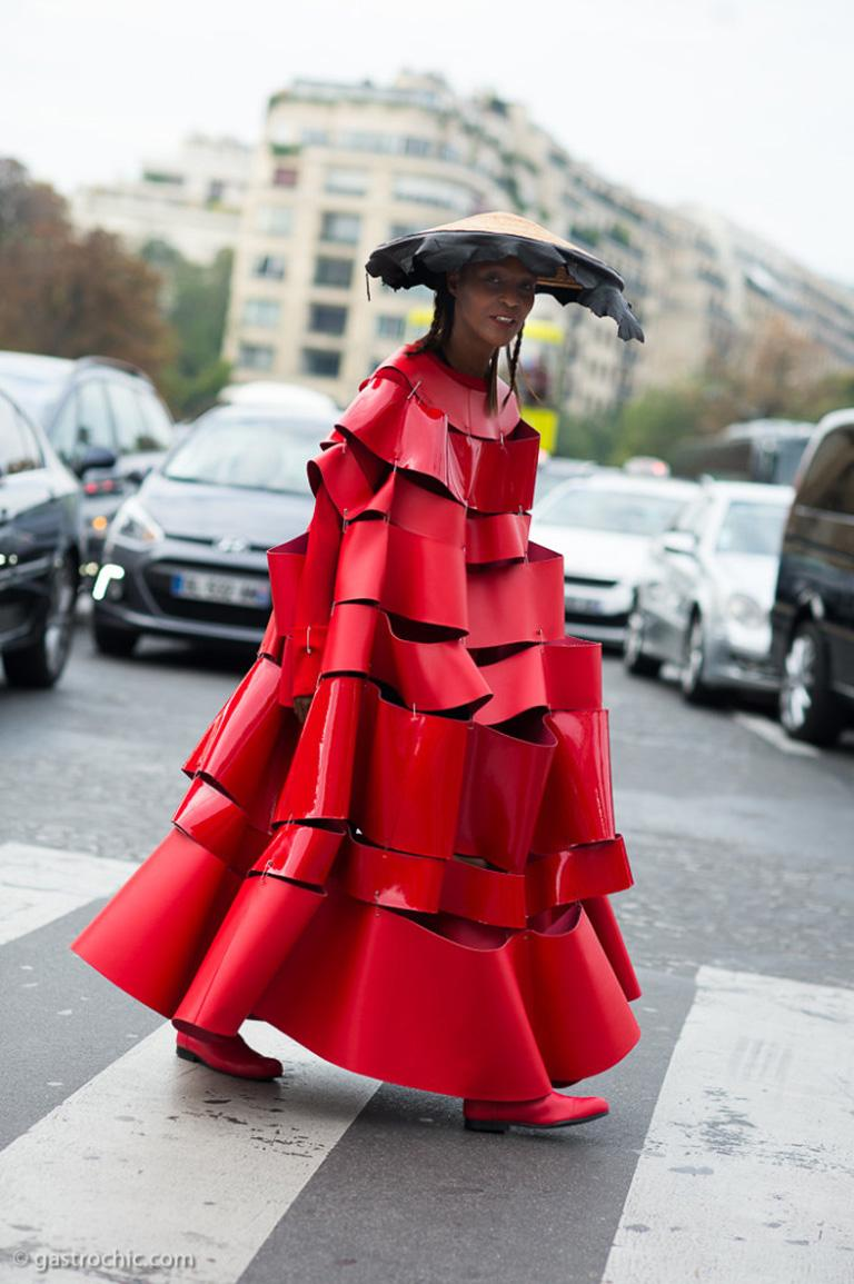 Comme des Garcons 2015 Roses & Blood Explosive Poppy Red Safety-Pin Cape & Skirt For Sale 5