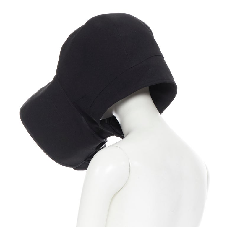 Women's COMME DES GARCONS black zip toggle button upside down brim snood hat For Sale