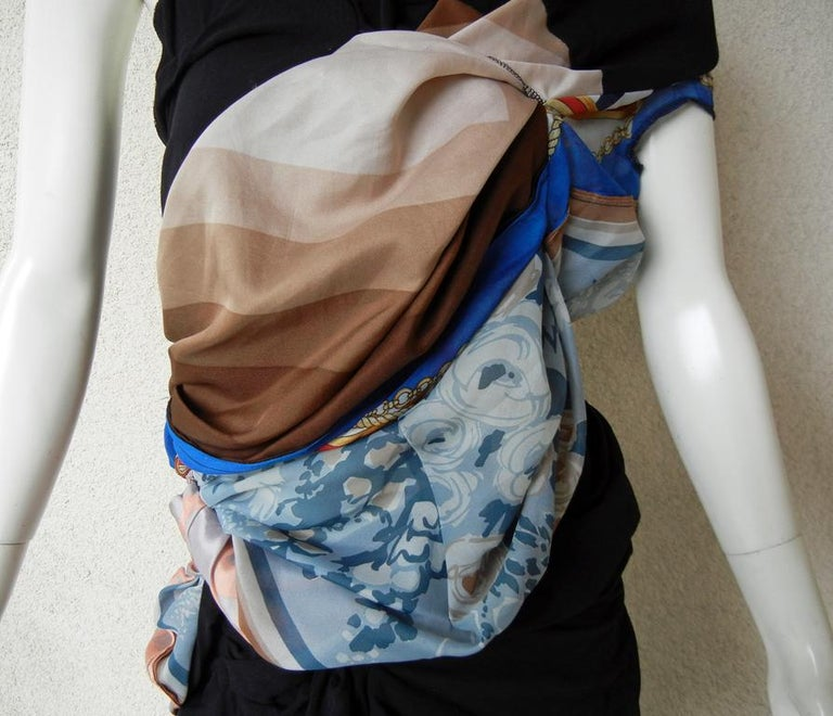 Comme des Garcons Coveted 2011 Hybrid Vintage Scarf Dress In Excellent Condition For Sale In Los Angeles, CA