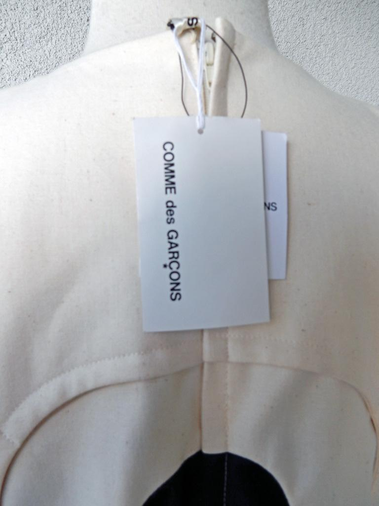 Comme des Garcons NWT 2014 Runway Oversized Aerodynamic Link Dress   For Sale 3