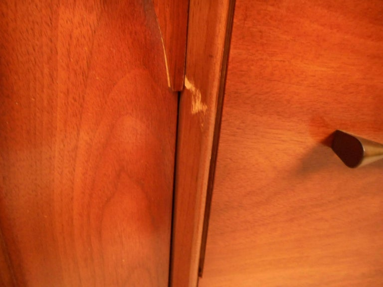 Compact Mid-Century Kent Coffey Perspecta Credenza For Sale 8