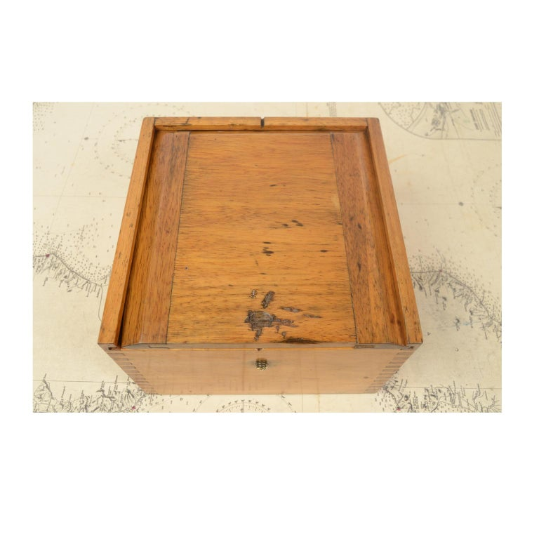 Compass in its Original Wooden Box Signed Sestrel Early 1900s For Sale 5