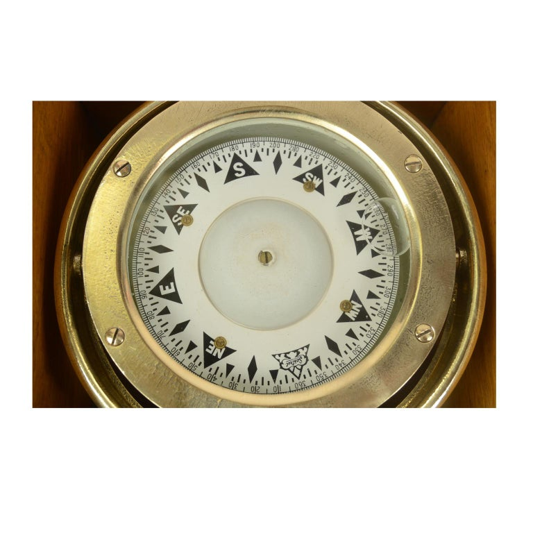 Early 20th Century Compass in its Original Wooden Box Signed Sestrel Early 1900s For Sale