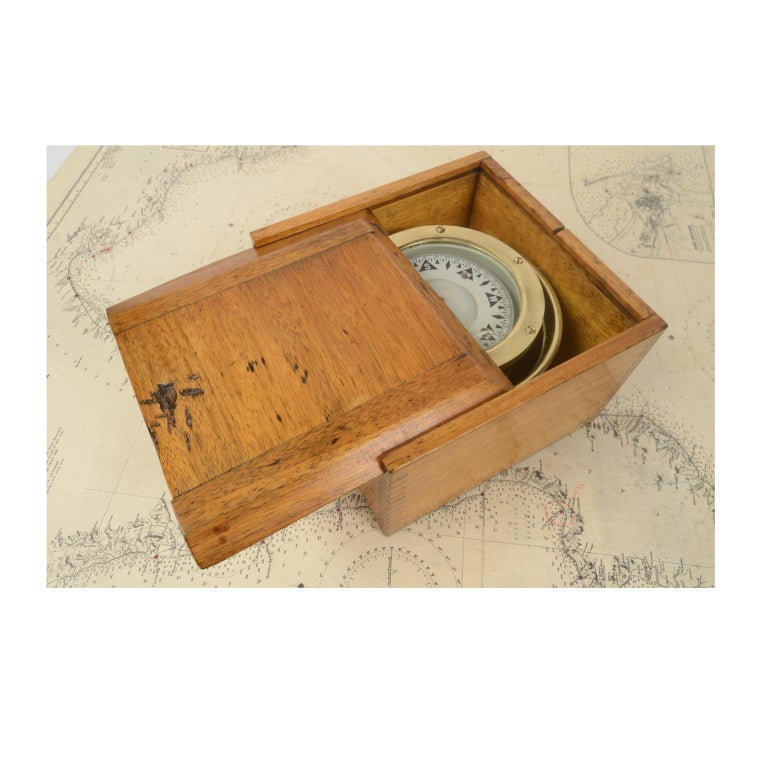Compass in its Original Wooden Box Signed Sestrel Early 1900s For Sale 1