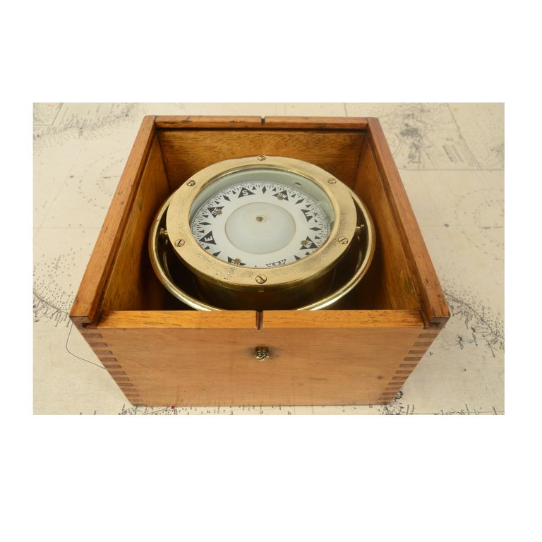 Compass in its Original Wooden Box Signed Sestrel Early 1900s For Sale 3