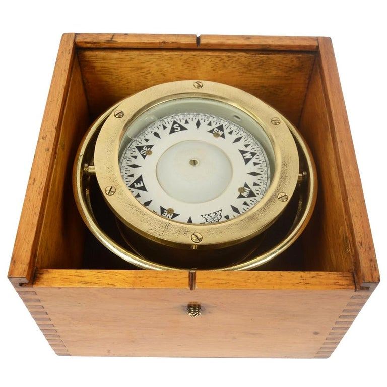 Compass in its Original Wooden Box Signed Sestrel Early 1900s For Sale