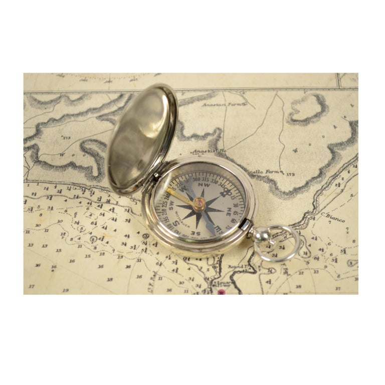 Compass Used by the American Aviation Officers in the 1920s Signed Wittnauer In Good Condition For Sale In Milan, IT