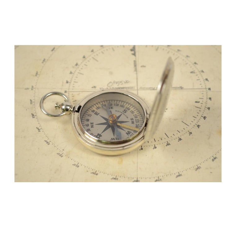 Early 20th Century Compass Used by the American Aviation Officers in the 1920s Signed Wittnauer For Sale
