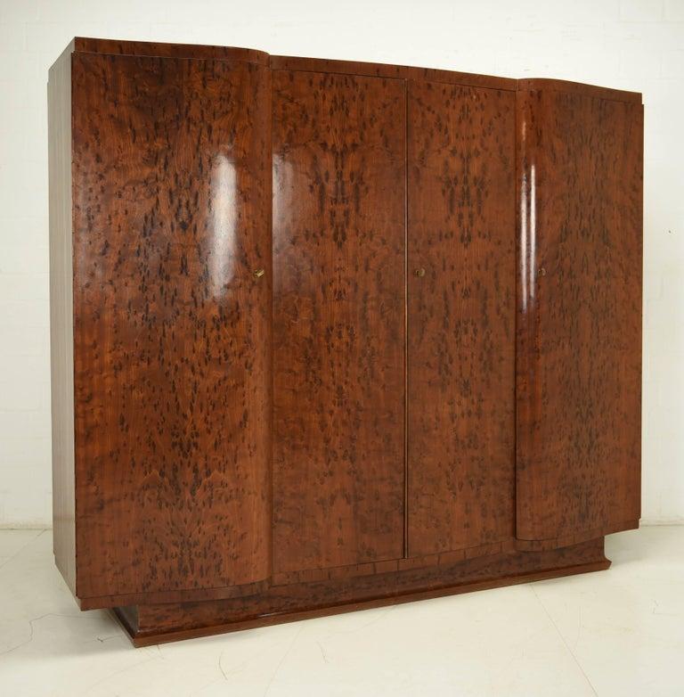 https://a.1stdibscdn.com/complete-art-deco-bedroom-set-for-sale-picture-2/archivesE/upload/f_10160/f_102716231522063108545/DSC_4454_master.JPG?width=768