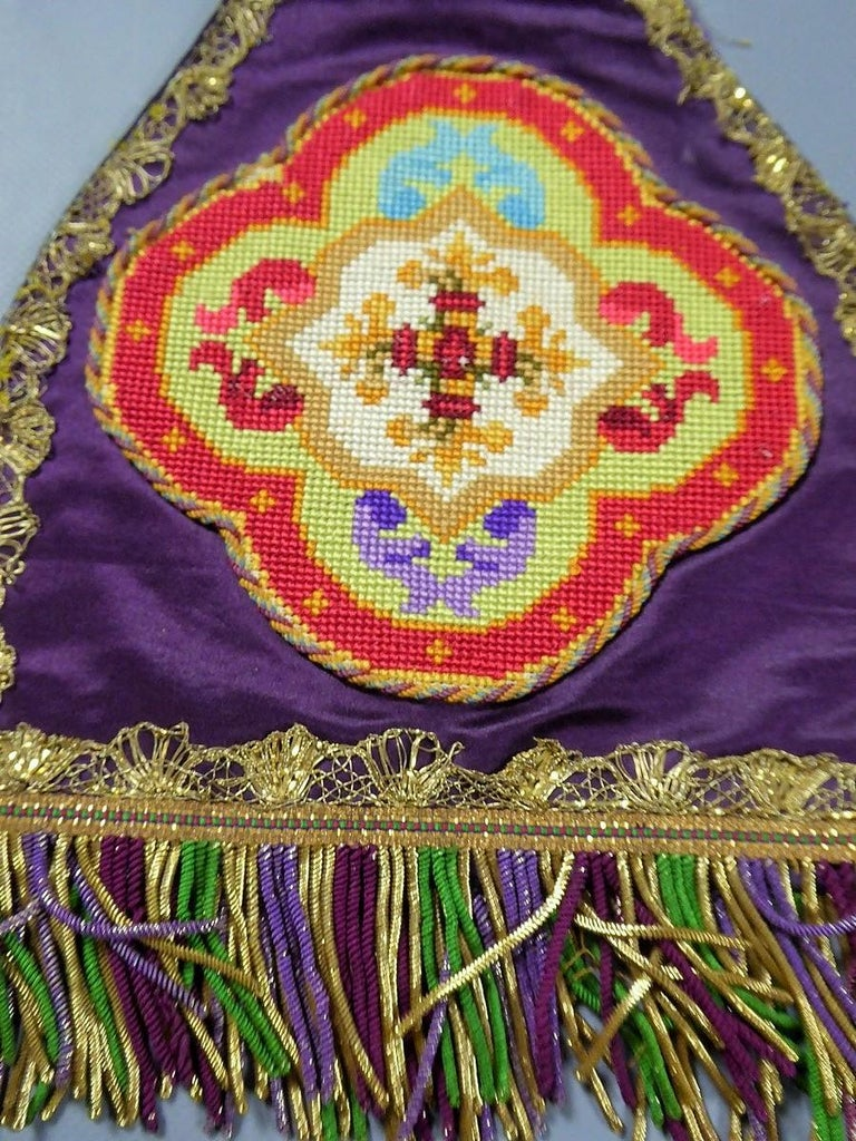 Complete Christian Embroidered chasuble set -  Circa 1880/1920 For Sale 3