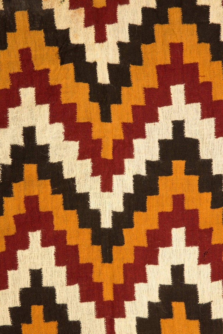 Complete Pre-Columbian Nazca Textile, Zig-Zag Patters, Nazca, Peru 200-400 AD In Good Condition For Sale In San Pedro Garza Garcia, Nuevo Leon