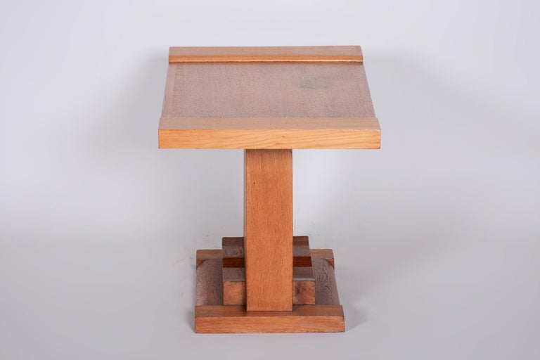 Completely Restored Small Art Deco Oak Table, France, 1920s In Good Condition For Sale In Prague 1, CZ