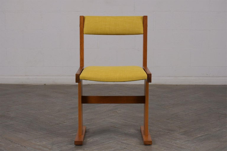 Completly Restored Set of Six Poul Hermann Poulsen Midcentury Dinning Chairs In Good Condition For Sale In Los Angeles, CA