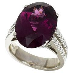 Concord 13.58 Carat Rhodolite Garnet 0.56 Carat Diamonds Platinum Ring US 6.5