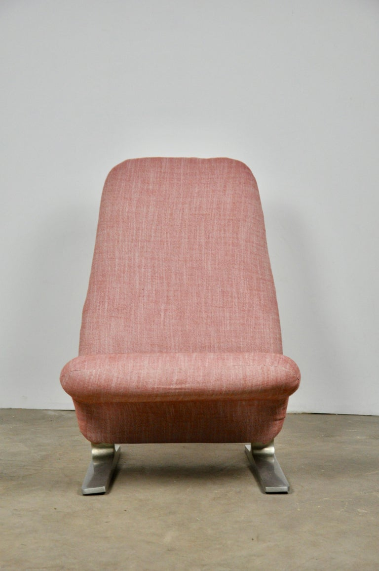 Mid-Century Modern Concorde Lounge Chair by Pierre Paulin for Artifort, 1960s For Sale