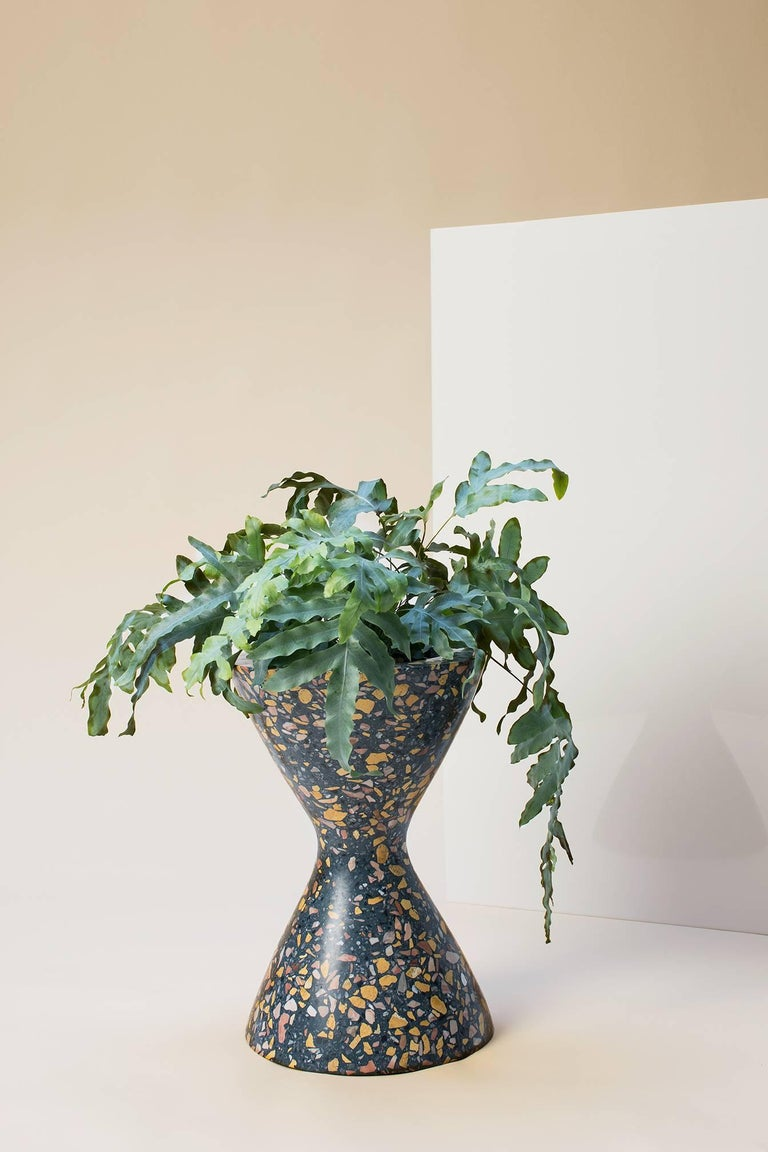 Modern Confetti Indoor/Outdoor Planter Medium in Midnight Terrazzo and Brass Details For Sale