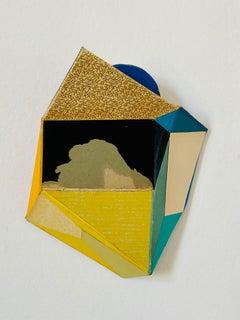 "Conny Goelz ""Schmitt Shy Moon"" - Wall sculpture made of vintage book parts"
