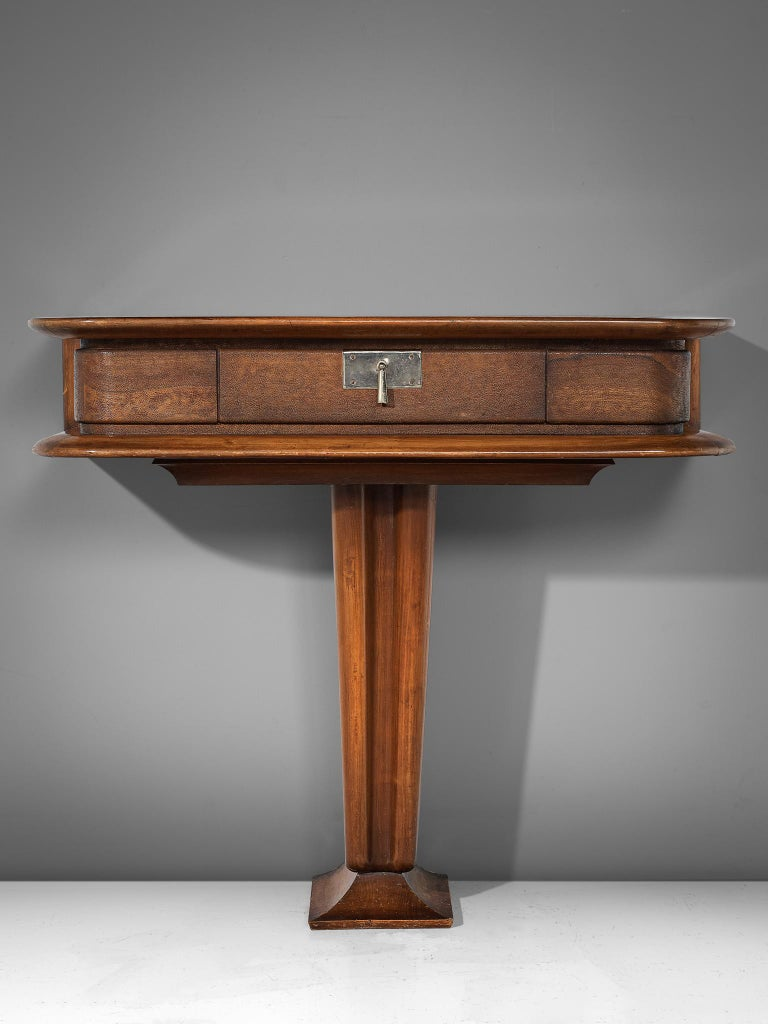 Vittorio Valabrega, console, walnut and leather, Italy, 1940s