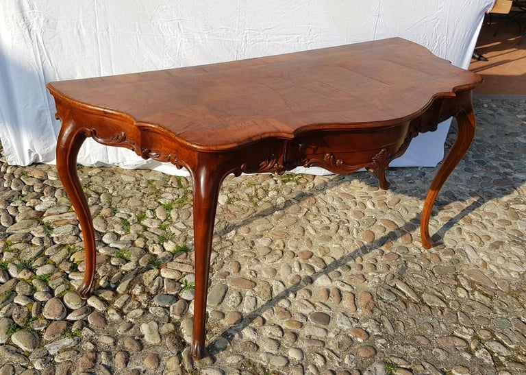 Console Table in Carved Walnut Wood, Veneered in Rootwood, Venice, 18th Century For Sale 8