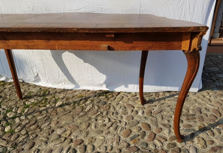 Console Table in Carved Walnut Wood, Veneered in Rootwood, Venice, 18th Century For Sale 14