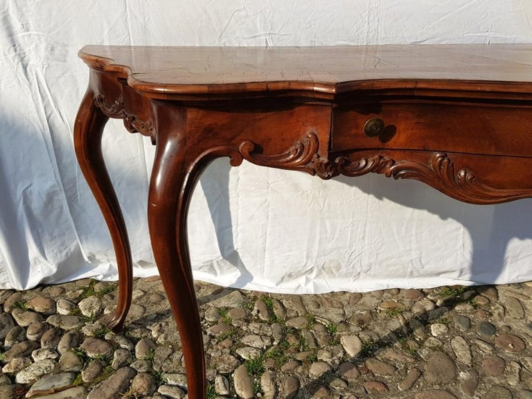 Italian Console Table in Carved Walnut Wood, Veneered in Rootwood, Venice, 18th Century For Sale