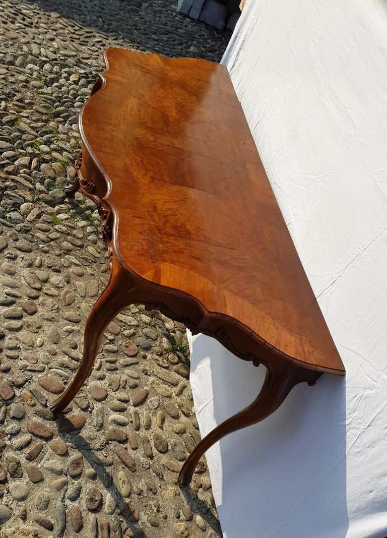 Console Table in Carved Walnut Wood, Veneered in Rootwood, Venice, 18th Century For Sale 2