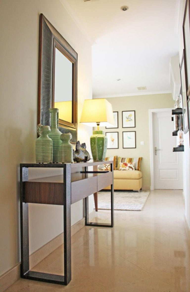 Console Table Iron in Wood and Lacquered Metal 3